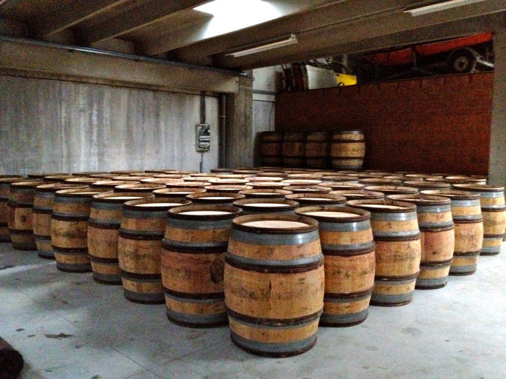 Bourgogne-Fässer vor der Abfüllung